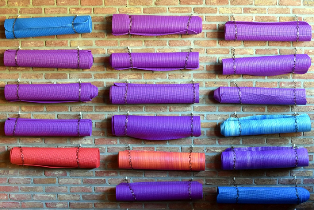 The 8 Best Yoga Mats for Your Needs   2019