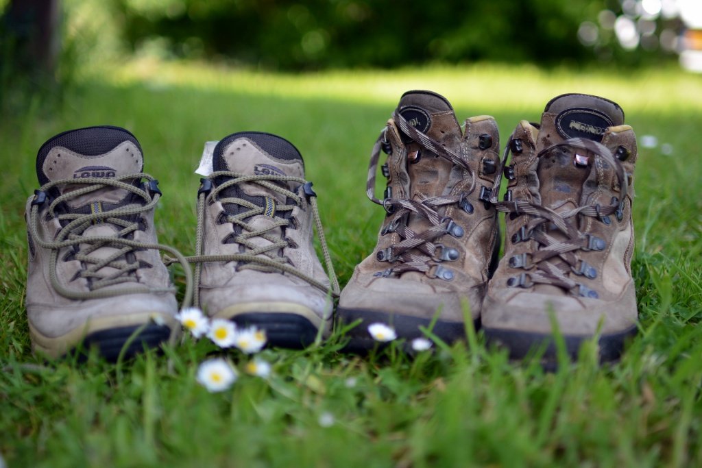The 7 Best Lightweight Hiking Shoes for a Trip | 2019