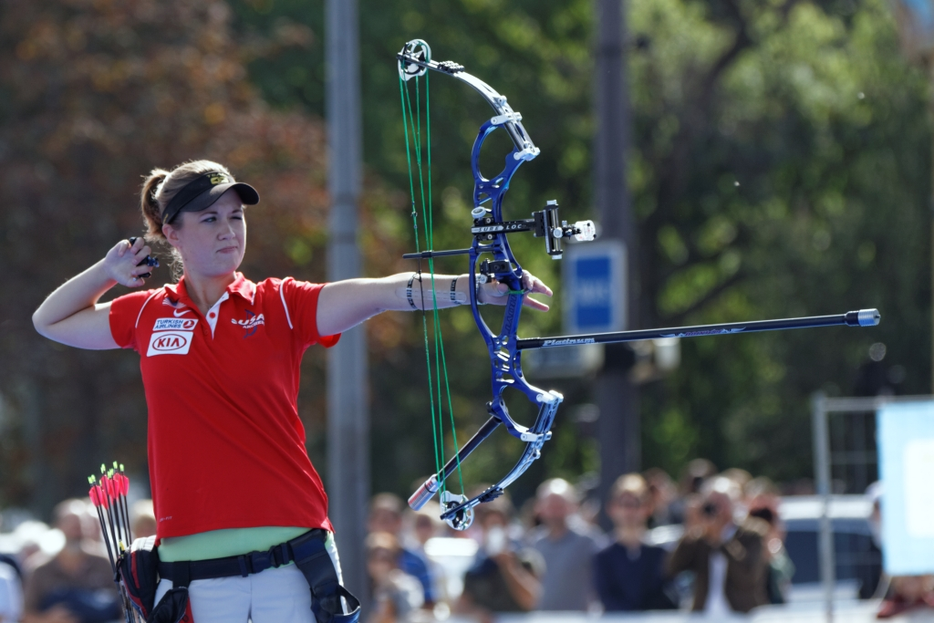 The 10 Fastest Compound Bows to Let Loose | 2019