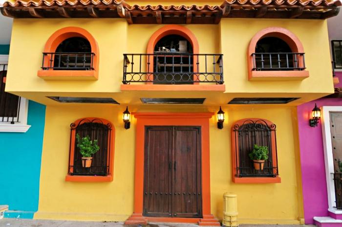 colorful building in vallarta