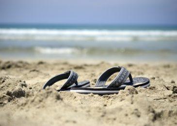 beach footwear flip flops
